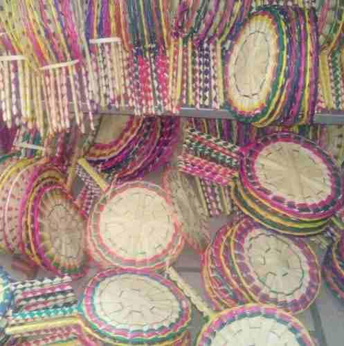 Paquete De 20 Tortilleros De Colores Y 70 Abanicos De Colore