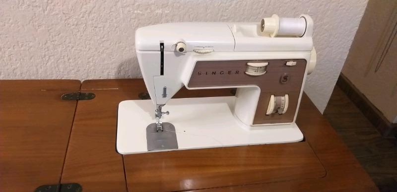 $$$ maquina de coser SINGER con mueble...