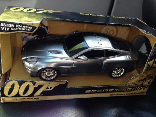 Aston Martin Vanquish De James Bond 007