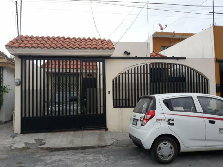 CASA EN VENTA EN SAN NICOLAS ZONA VALLE DE SAN CARLOS
