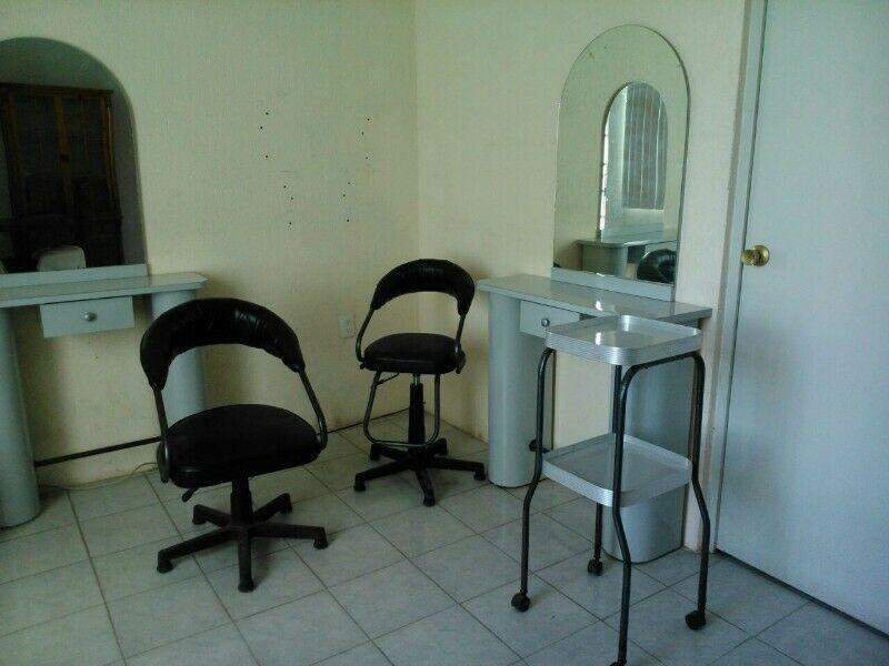 Muebles para estética seminuevos