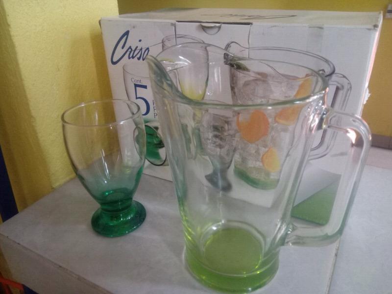 4 copas con jarra. Nuevo