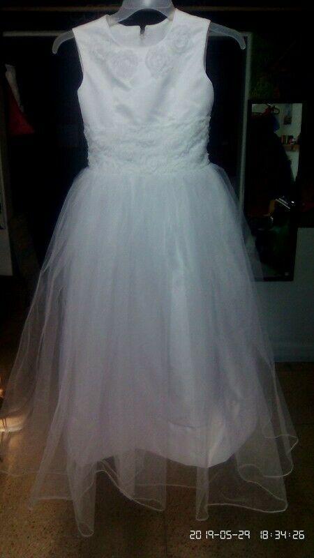 Venta de vestido primera comunión nuevo en talla 10.