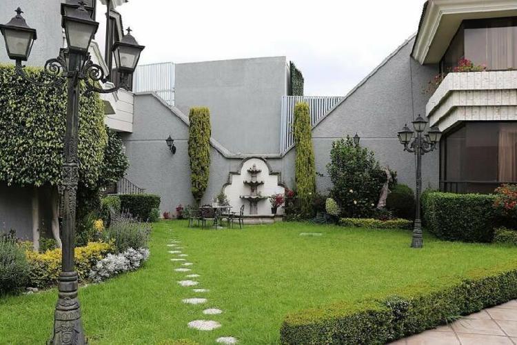 Hermosa casa en condominio Pedregal de San Francisco,