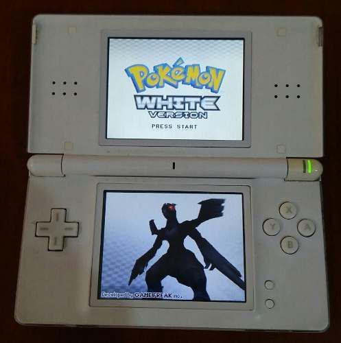 Nintendo Ds Lite Con Detalles Con Cartucho Pokémon White.
