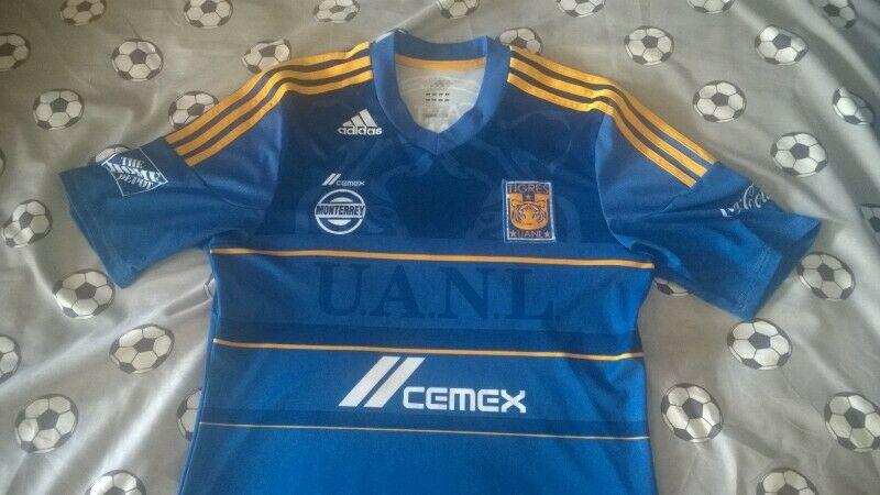 Playeras del Campeon. Tigres. Azules. Talla M