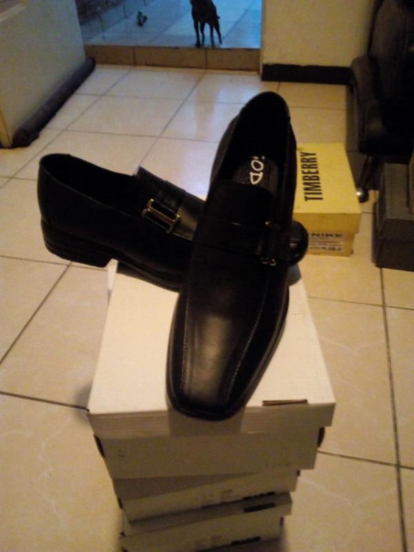 Zapato de piel 100%