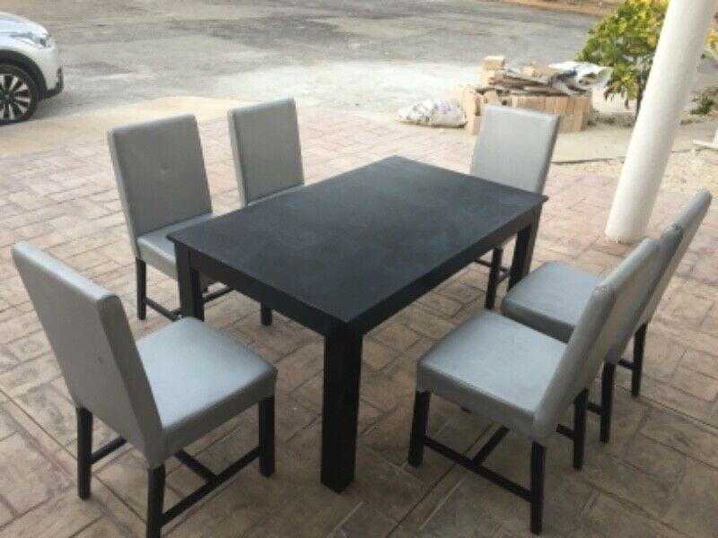 Remate de comedor mesa y 6 sillas madera 100%