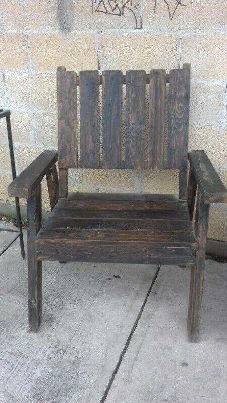 Juego de muebles de madera