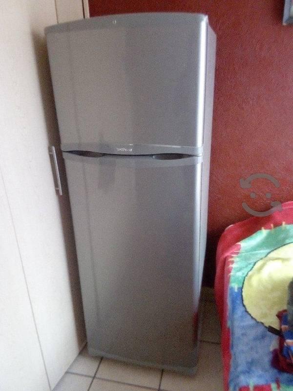 Exelente refrigerador mabe