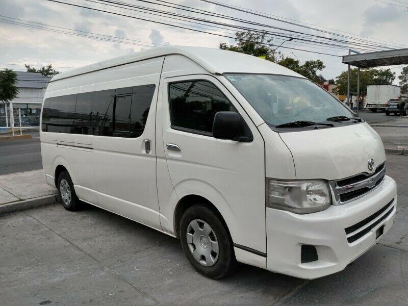 Renta de Camioneta para Turismo/Ejecutivo/Personal.