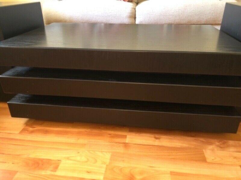 Vendo mesa de centro y laterales de madera