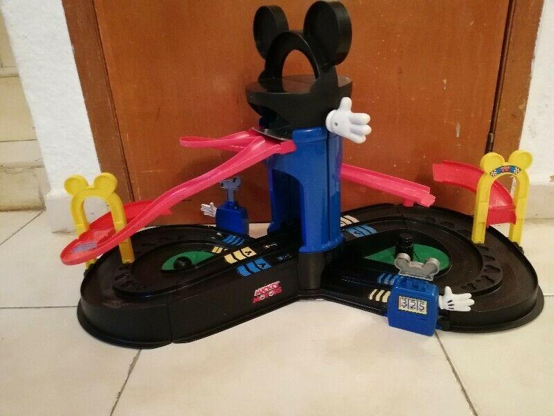 Pista de Mickey mouse y sus amigos club Disney