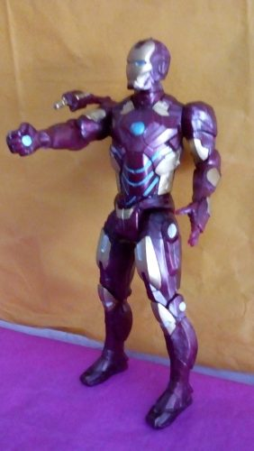 *muñeco Iron Man*