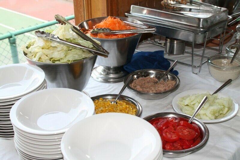 Barra de pastas y ensaladas para tu evento
