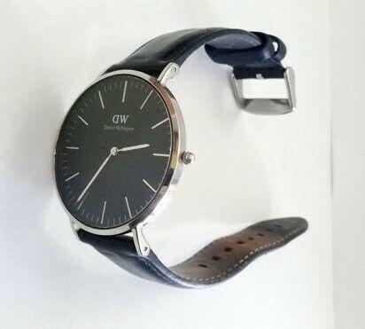 Reloj Daniel Wellington modelo B40S4 - Remates Increibles