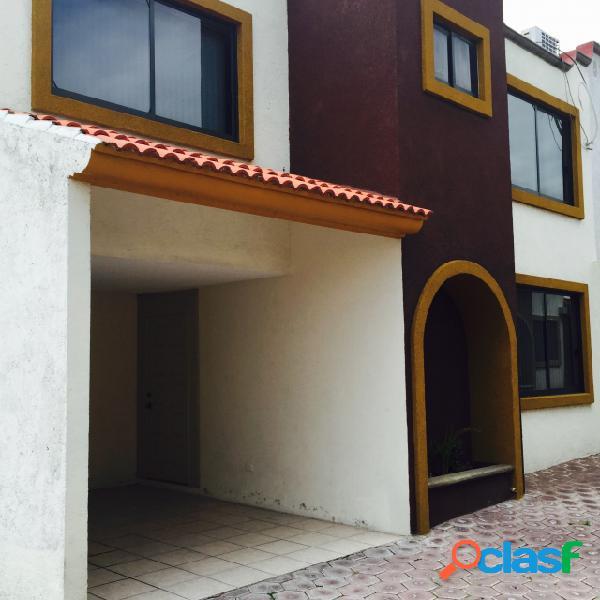 Casa sola residencial en renta en Colonia Bello Horizonte,