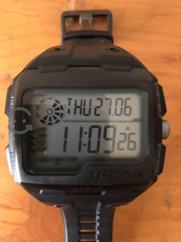 Reloj Timex expedition. Excelentes condiciones.