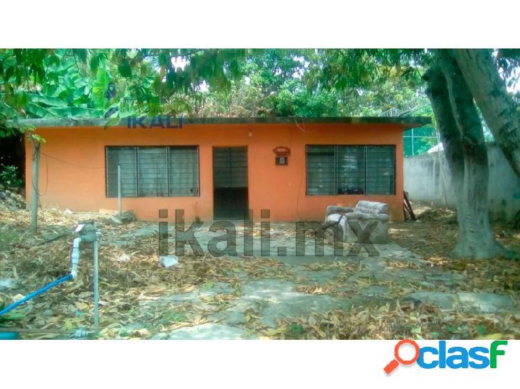 vendo casa con terreno col Chapultepec Poza Rica,