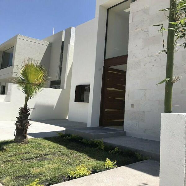 Casa en Venta de un piso en Lomas de Juriquilla Queretaro