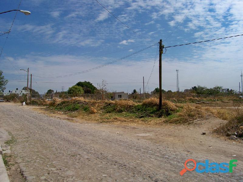 Esquina de 1 hectarea para desarrollo o inversion en Santa