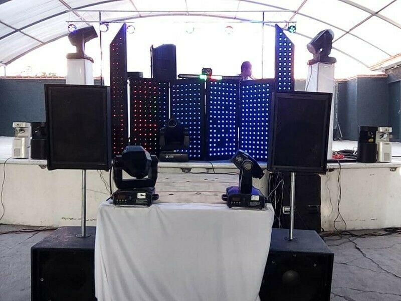 luz y sonido karaoke dj, animador pista de baile (tarima)