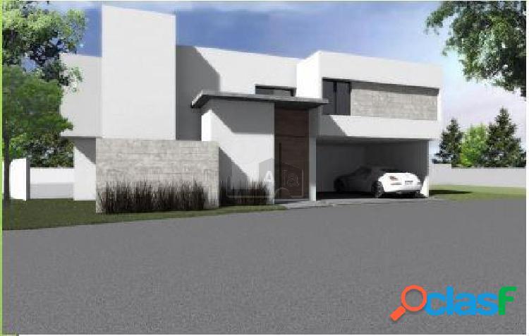 Casa en condominio en venta en Club de Golf la Loma, San