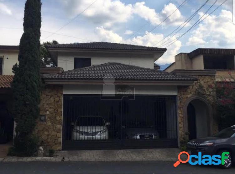 Casa sola en venta en Fuentes del Valle, San Pedro Garza