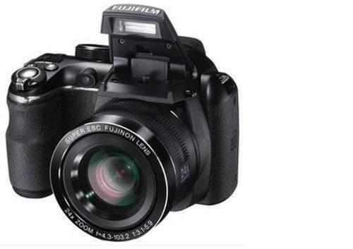 Cámara Digital Fujifilm Finepix S4250 Black 14mp