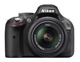 Nikon D5200 24.1 Mp Cmos Digital Slr Con 18-55mm F / 3.5-5.6
