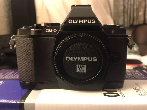 Olympus Om-d E-m5 Mirrorless Micro Camara Digital