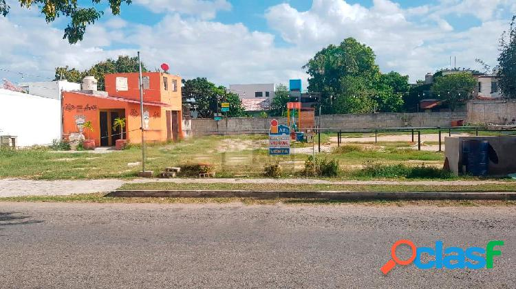 Terreno comercial en venta sobre av. Yucatán, Residencial