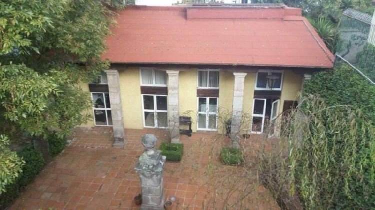 Casa en venta con 4 recámaras en Lomas de Vista Hermosa