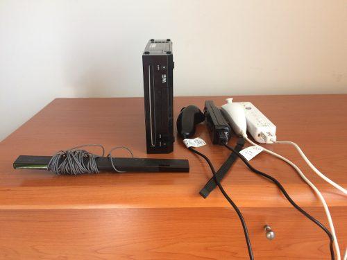 Nintendo Wii Con 2 Controles Y 5 Juegos