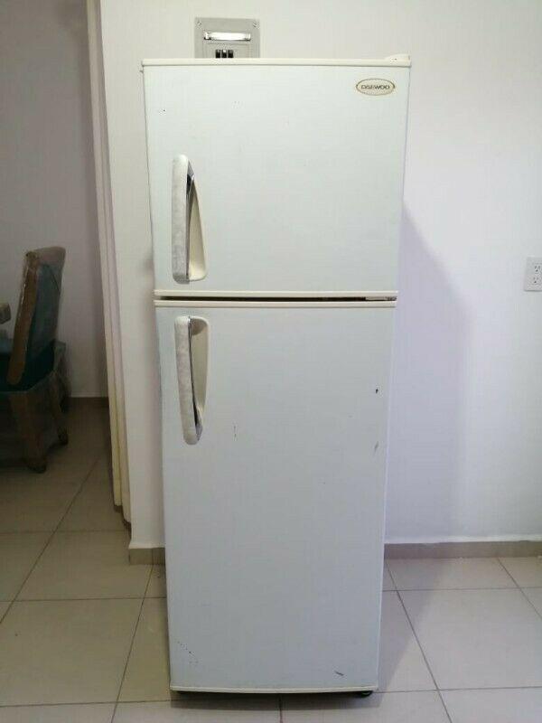 Se vende Refrigerador Daewoon 11 pies