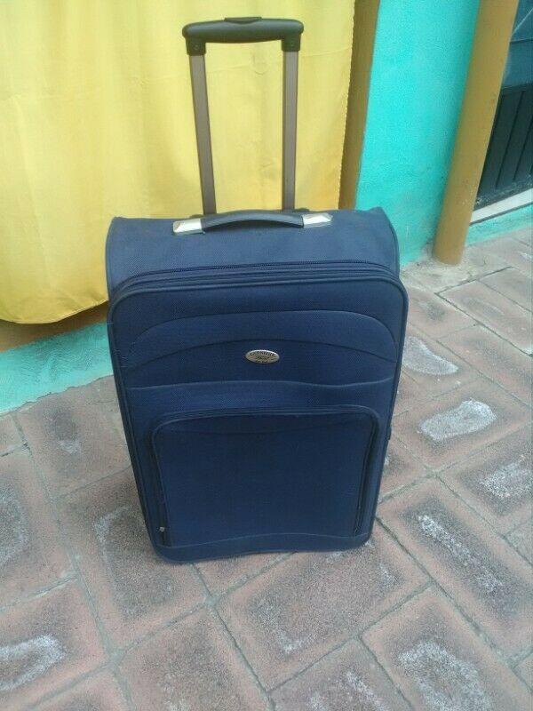 Vendo maleta de viaje grande