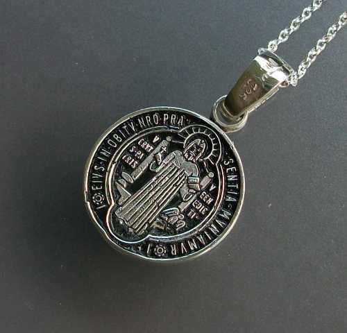 Cadena Y Medalla De San Benito Fondo Negro Plata Ley.925
