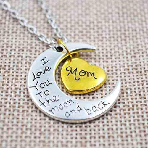 Collar Media Luna Con Corazon Escrito Mom Para Mama