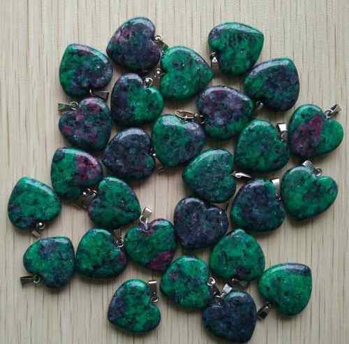 Dije Corazón Tesoro Rojo Y Verde Piedra Natural 20mmx20mm