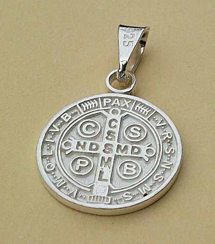 Dije De Cruz Medalla San Benito En Plata Ley.925