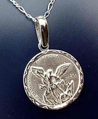 Dije Medalla San Miguel Arcangel Con Cadena En Plata Ley.925