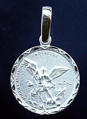 Dije Medalla San Miguel Arcángel En Plata Fina Ley.925