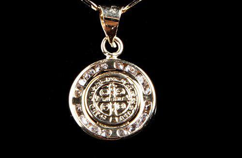Medalla Dije San Benito En Oro Solido De 10 K + Envío