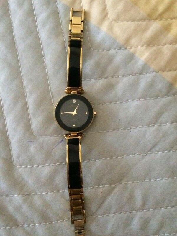 "Reloj Negro ""Anne Klein"""