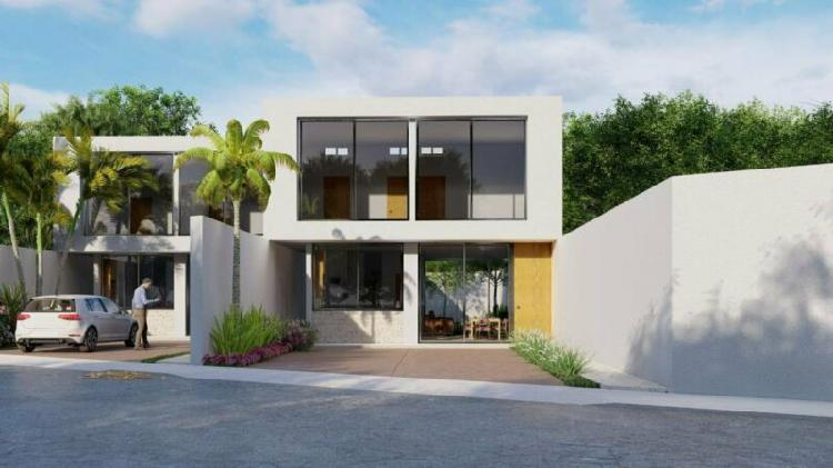 Casa residencial en venta de 3 recámaras y piscina. Acacias