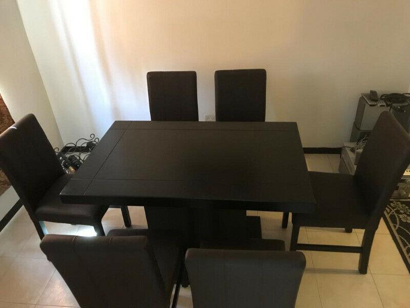 Mesa comedor y mueble para tv. Oportunidad!!