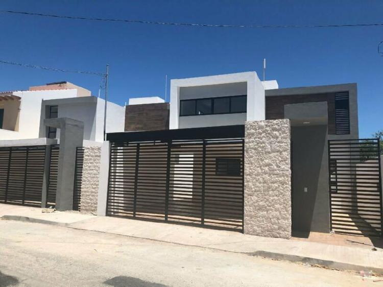 Moderna casa en venta al Norte de Mérida, Montevideo