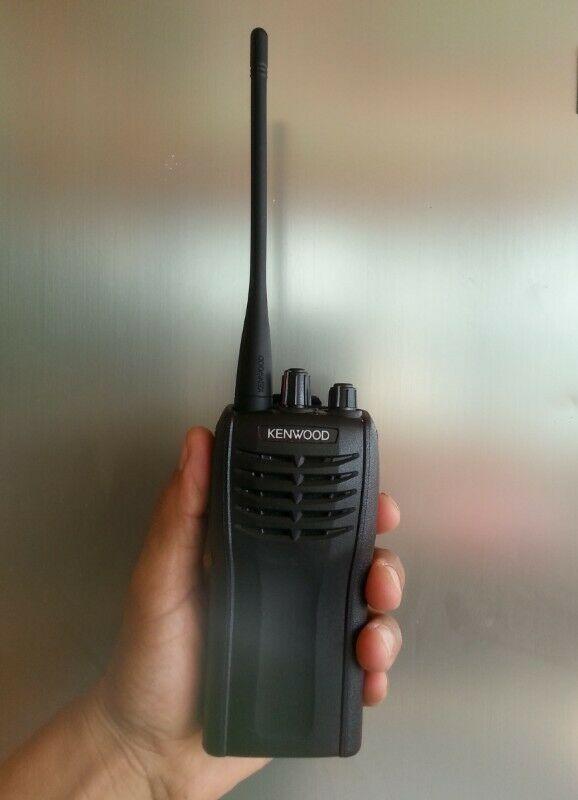 Radio Kenwood modelo TKG