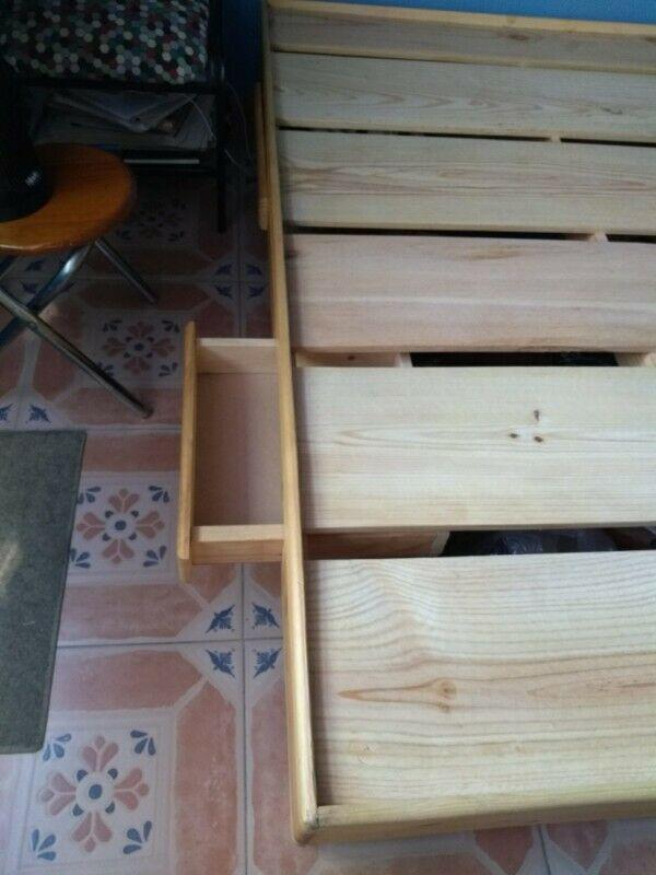 Base de madera matrimonial