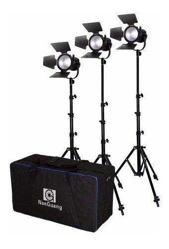 Kit De 3 Lámparas Fresnel Led Ng Cn-30f